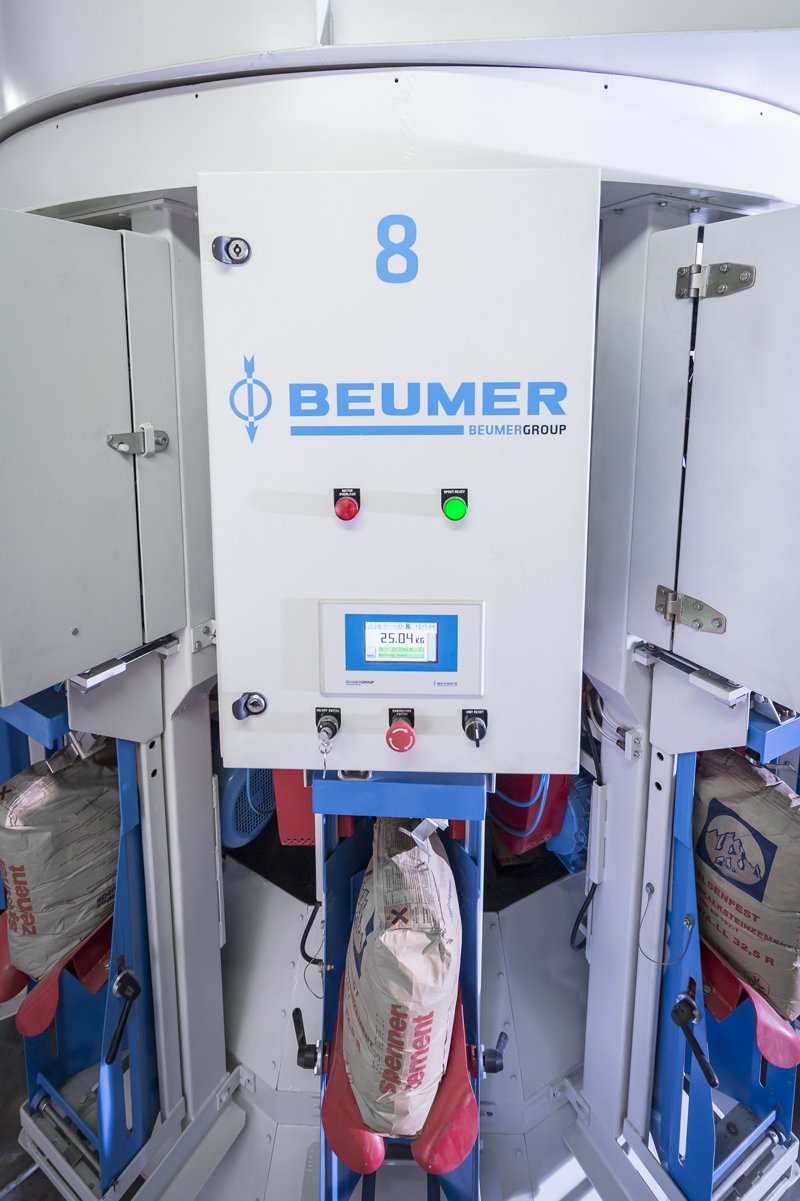 BEUMER Group's product portfolio includes the rotating filling machine, BEUMER fillpac, equipped with sophisticated features from the modular unit.