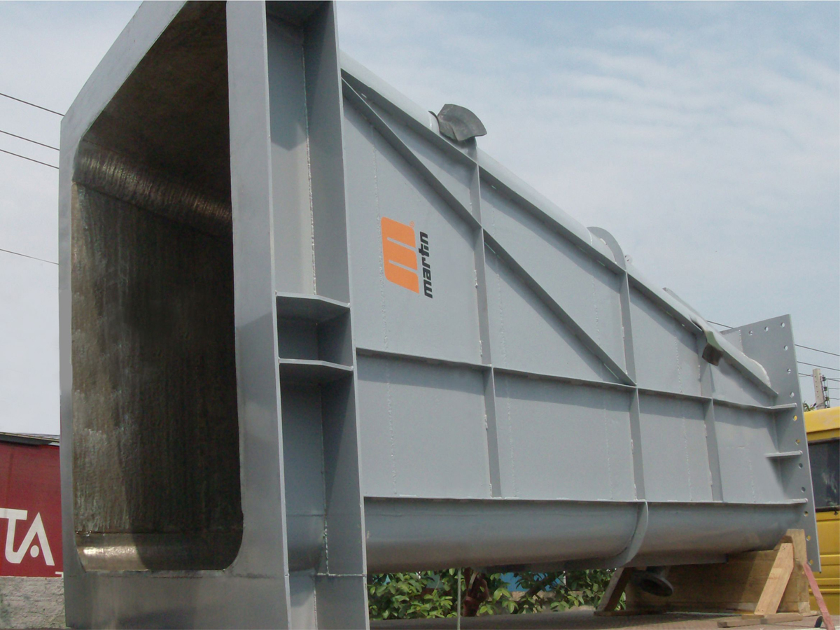 Arcoplate is often specified to protect equipment, chutes and containers in applications involving extreme temperatures or abrasion.