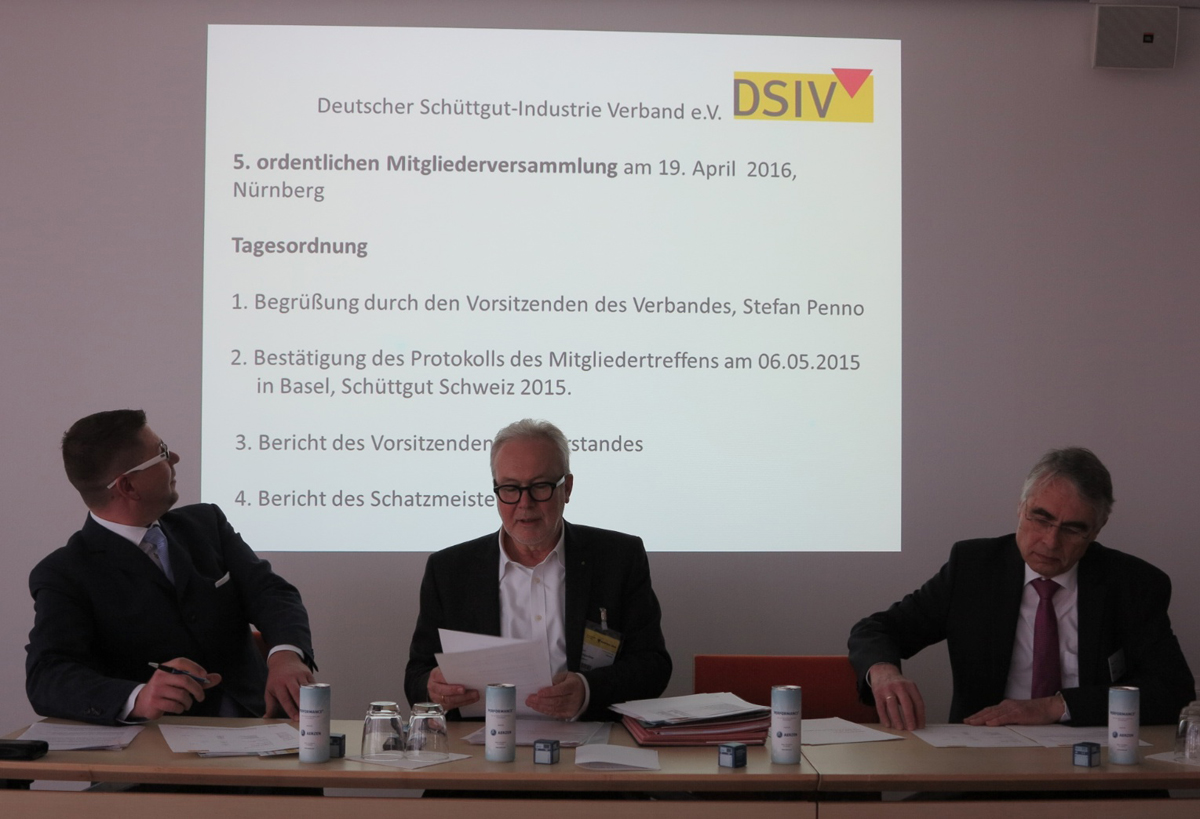 Stefan Penno, Chairman; Jochen Baumgartner, Managing Director and Stefan Zöbisch, Member of the Board. DSIV is the German Powder/Bulk Association