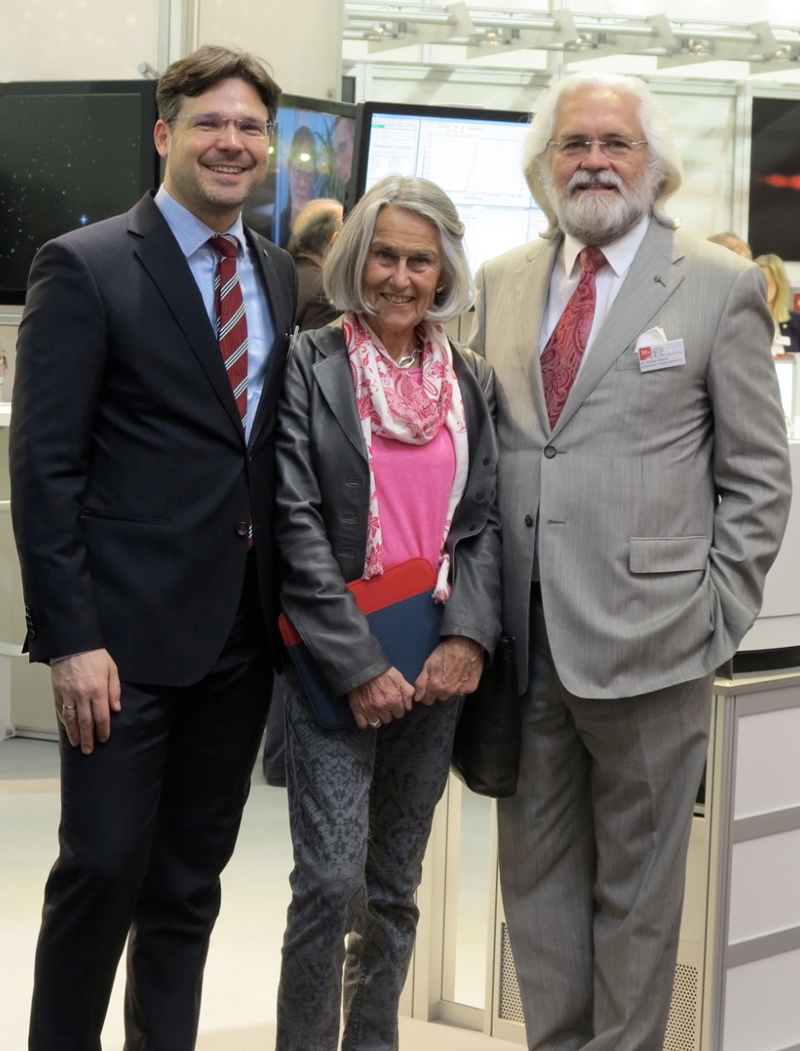 Dr. Sebastian Röthele, Corporate Marketing Management; Ute Wöhlbier, Powder/Bulk Portal and Dr.-Ing. E.h. Stephan Röthele, CEO, Sympatec, Clausthal-Zellerfeld, Germany (from left)