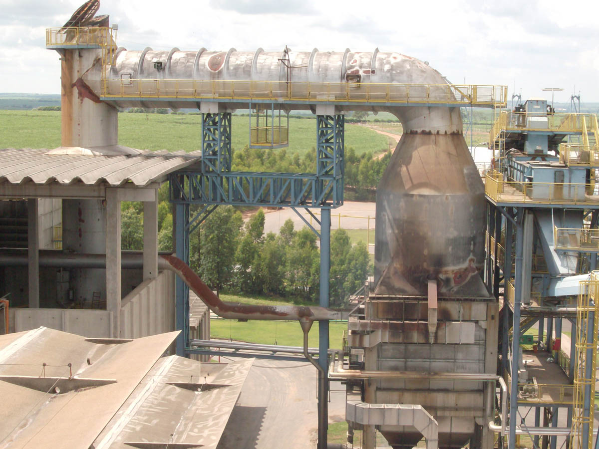 Citrosuco found that silica particles collected in the duct, where they liquefied and accumulated at the base.