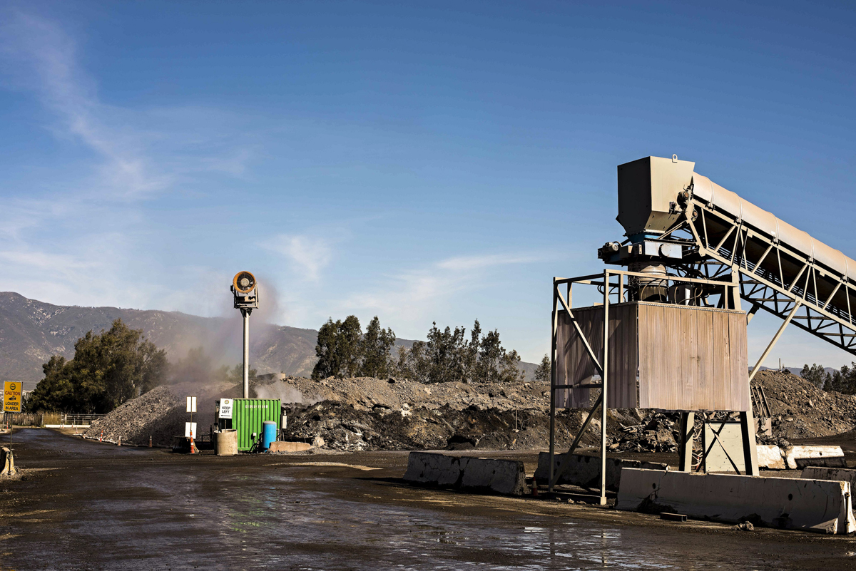 The air quality management plan involved a new crusher and a DustBoss® 60 (DB-60) atomized mist dust suppression system.