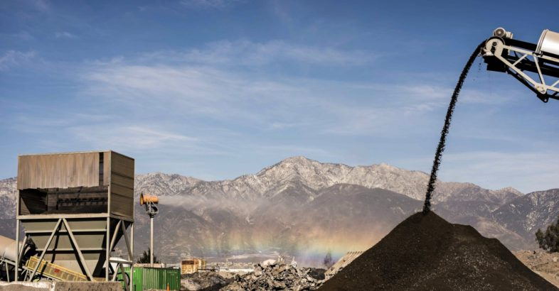 DCT: Slag Recycler Uses Dust Suppression Cannon  to Meet Air Quality Regulations