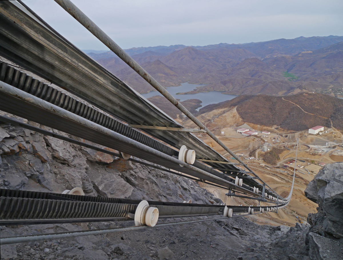 Doppelmayr's RopeCon® system transporting gold ore at El Limón-Guajes in Mexico.