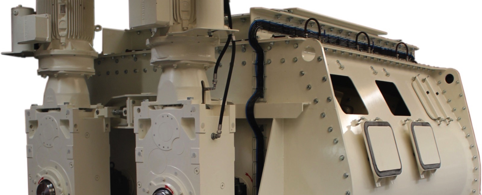 Jansen & Heuning delivers Feed Mixer for 70.000 cows in Saudi Arabia