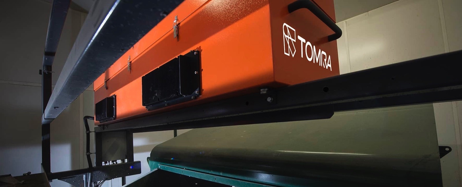 TOMRA wins large-scale Automated Sorting Contract by SKM Recycling