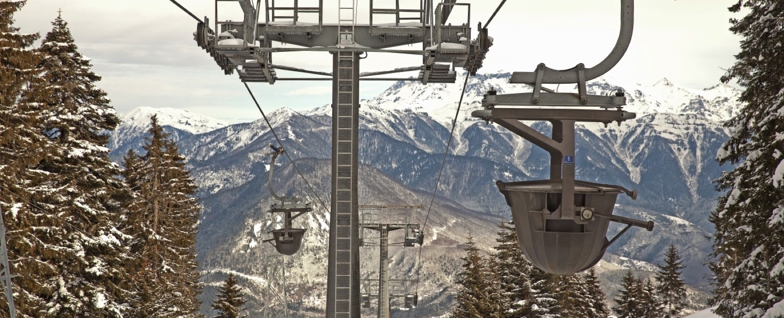 Doppelmayr: Ropeway as a means to transport People and Material