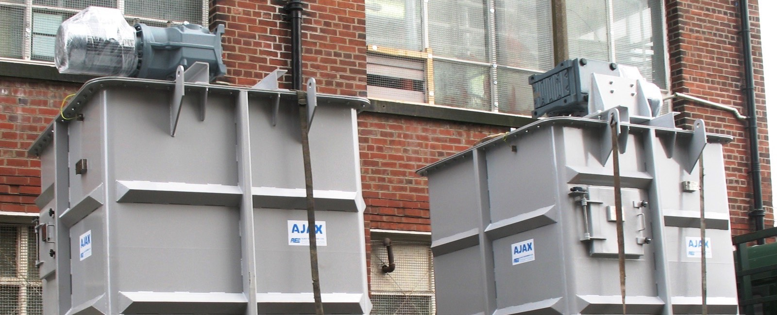 Ajax: Compact Silo Cascade Mixer Space-Saving Alternative to conventional Conical Hoppers