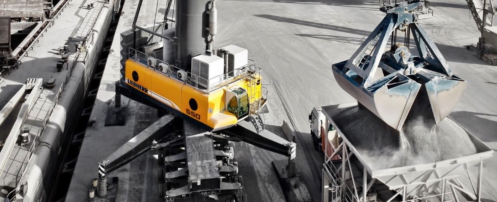 Liebherr launches first purely electrical Port Crane