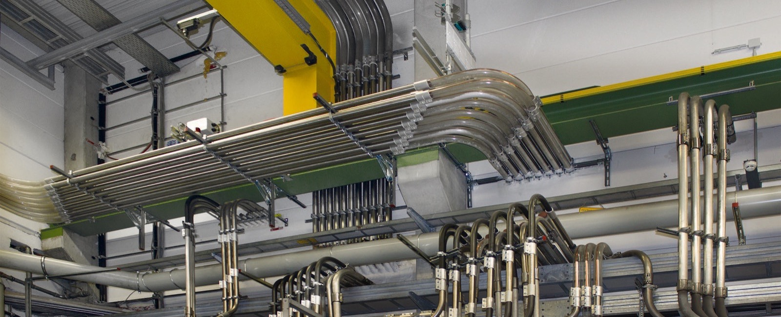 motan-colortronic: New Piping optimises Material Flow at German Plastics Processor