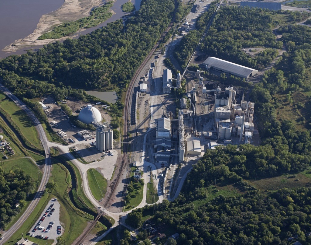 The Ash Grove Cement plant in Louisville, NE produces approximately 1.1 million tons per year.