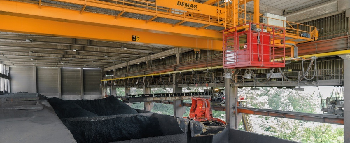 Improving Raw Material Storage Plant Performance – Highly cost-effective Process with Cranes Operating 24/7