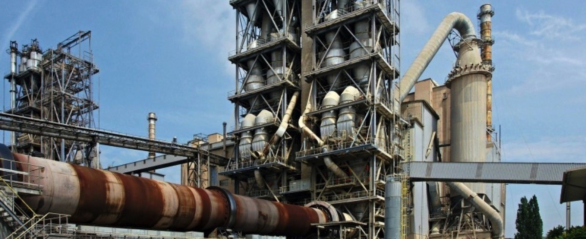 Fresh Air for Cement Plants – Loosen, Mix and Transport Powdery Goods with Compressed Air
